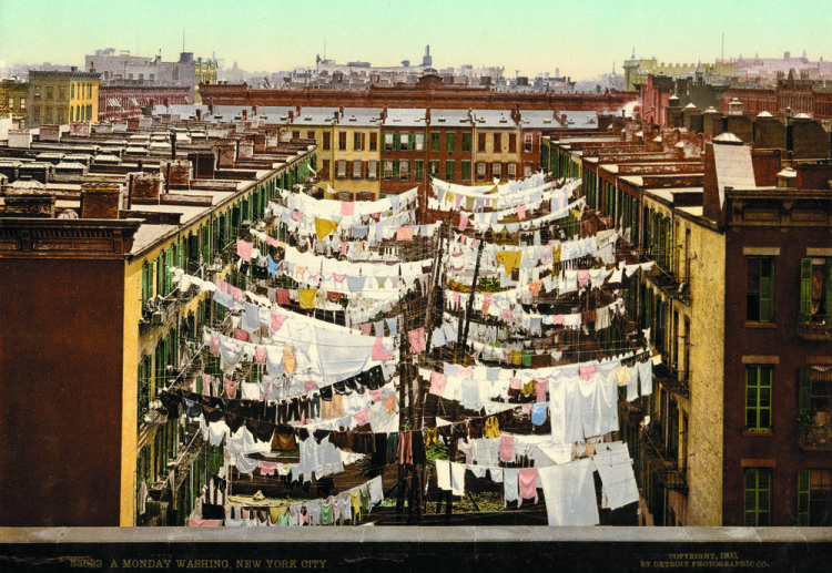 Anonymous, A Monday washing, New York, photochrom.