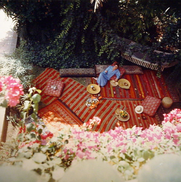 Ο Yves Saint Laurent  στον κήπο